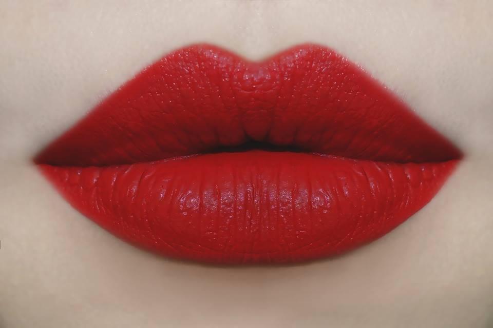 Atiqa Odho Best Seller Red Shade AR1 -